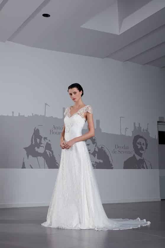 Créations Bochet Niky robe dentelle calais coloris ivoire ou blanc taille 36 46 - Créations Bochet Niky