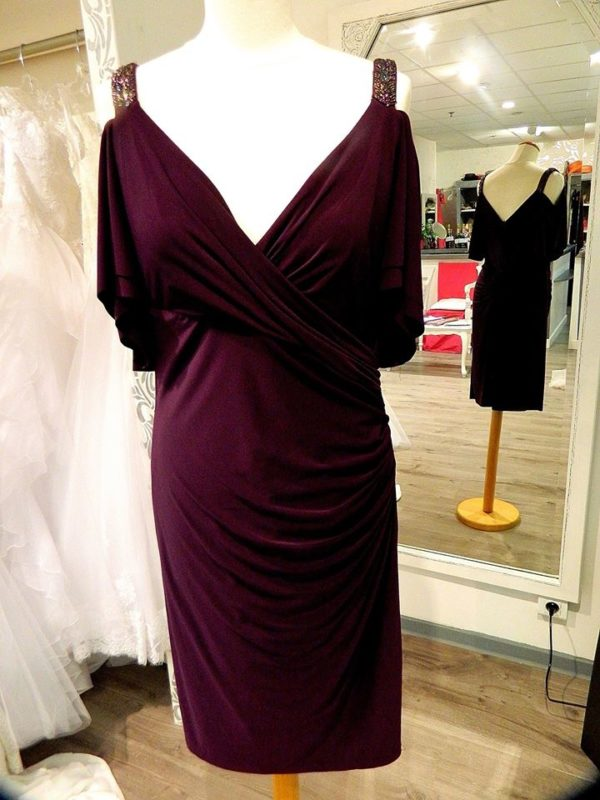 Fashion New York NY2788 ensemble robe courte en dentelle guipure veste mousseline coloris magenta taille 52 305€ au lieu de 329€ - Fashion New York NY2788