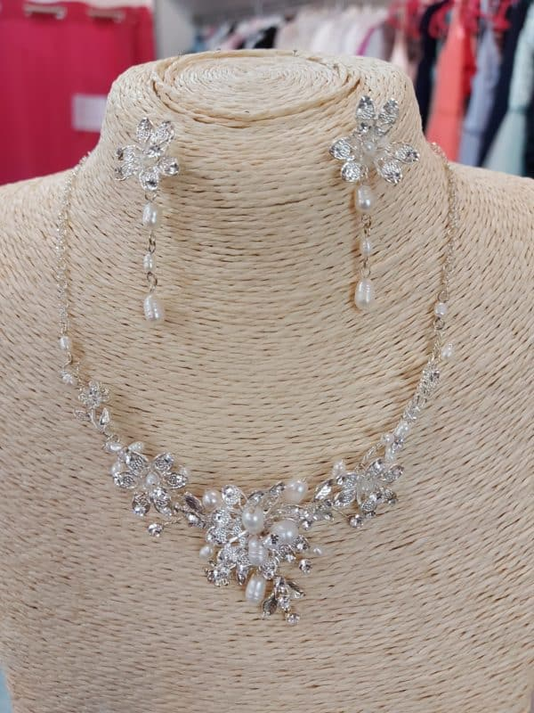 20201209 122430 - Parure collier et boucle d'oreille en perles et zirconium