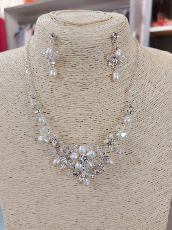 20201209 123830 - parure collier et boucles d'oreille en perles et cristal