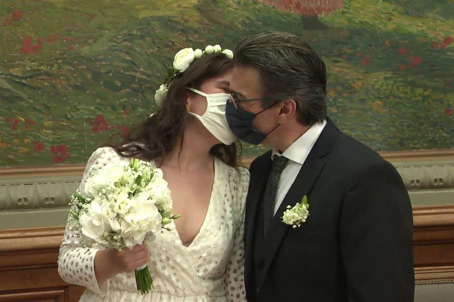 TEMOIGNAGE – Se marier malgré le Covid : entre la lassitude des couples et l'inquiétude des professionnels
